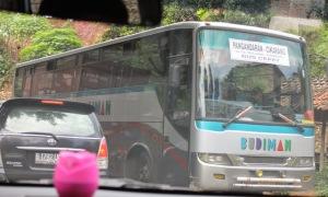 Cara Mengidentifikasi Merk dan Tipe Bus Yang Beredar Di Indonesia - Hino AK8
