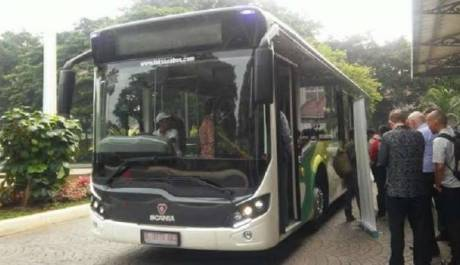 scania pengganti metro mini 1