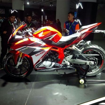 CBR250RR Red Racing.jpg