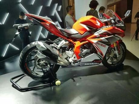 CBR250RR Red.jpg