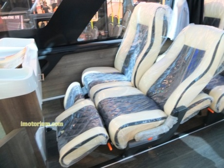 imotorium Adiputro Bus GIIAS 2016 (8)