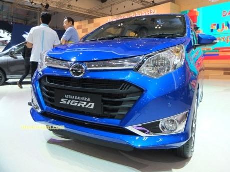 imotorium - GIIAS 2016 Daihatsu Sigra (11)