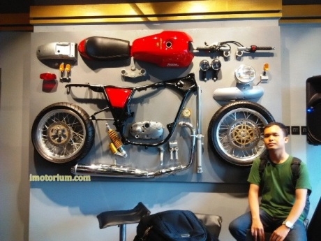 imotorium Royal Enfield Showroom (37)