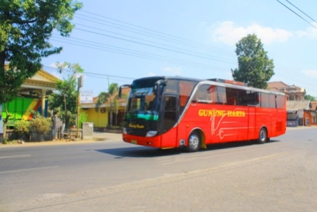 PO Gunung Harta bus imotorium (4) Merah